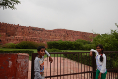Agra Fort - Gayathri and Nandakishor in the Fort backgroud