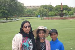 Delhi - Family outside the seat of Delhis Political power