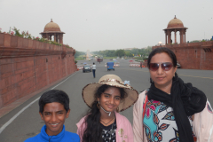 Family at the beginning of the Delhi Rajpath