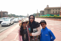 Family by the road leading to the Rashtrapathi Bhavan