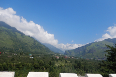 Manali Rohatang Pass - Beautiful Houses afar