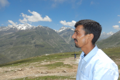 Manali Rohatang Pass - Bhim, our driver in Manali