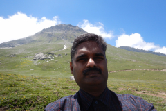 Manali Rohatang Pass - I am on the next hill side