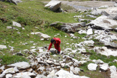 Manali Rohatang Pass - Nandan is returning after seeing the snow turned ice
