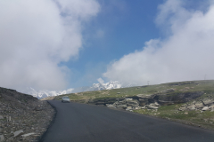 Manali Rohatang Pass - Road filled with nature