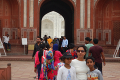 Taj Mahal - Family is in front of the gate