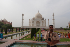 Taj Mahal - I am in front of the monument