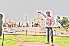 Taj Mahal - Nandan is showing off in a convert