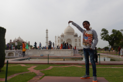 Taj Mahal - Nandan is showing off