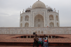 Taj Mahal - family on one side