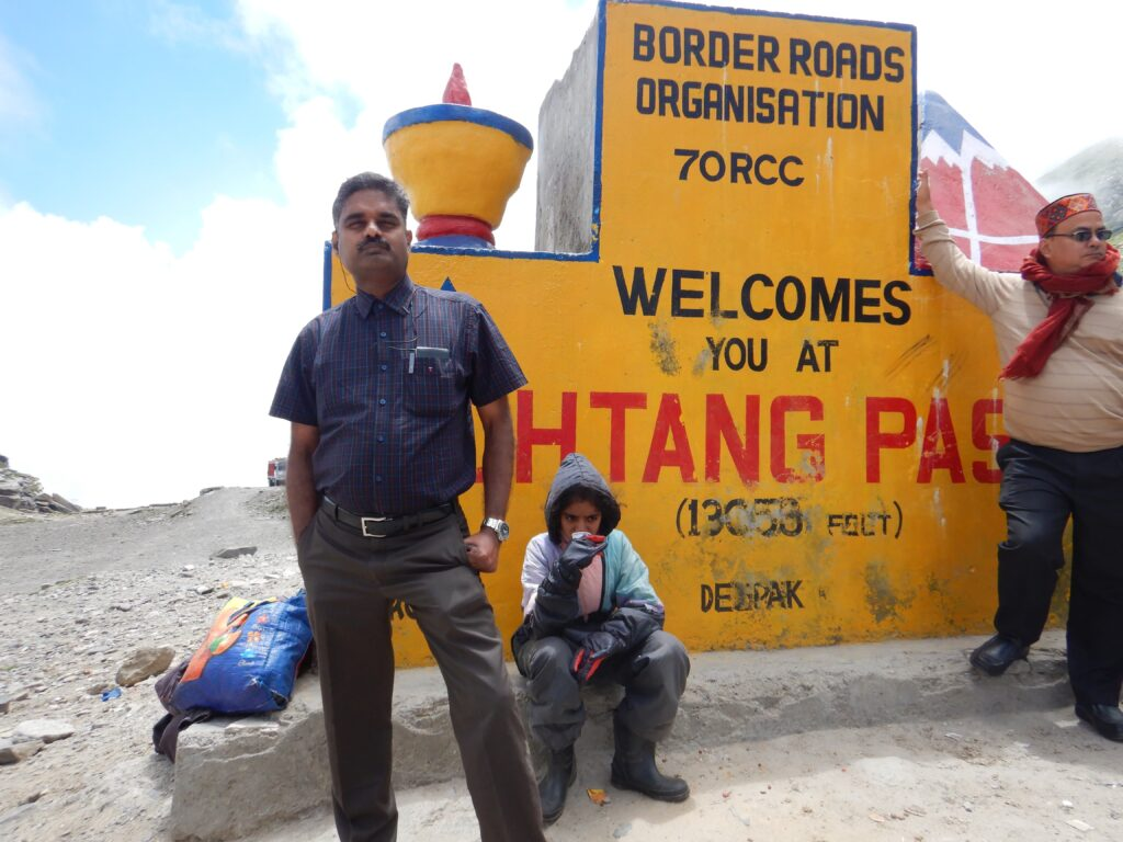 Rohtang Pass -Hot Tea to fight the Cold